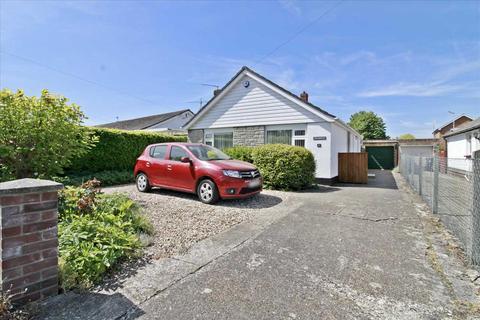 2 bedroom detached bungalow for sale - WALKING DISTANCE OF WIMBORNE TOWN CENTRE