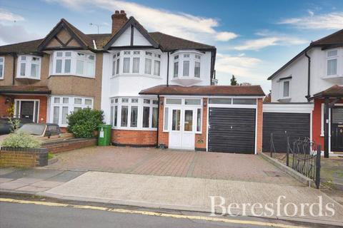 4 bedroom semi-detached house for sale - Woodlands Road, Romford, Essex, RM1
