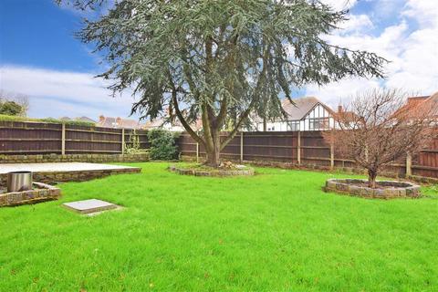 3 bedroom detached house for sale - Victoria Road, Buckhurst Hill, Essex