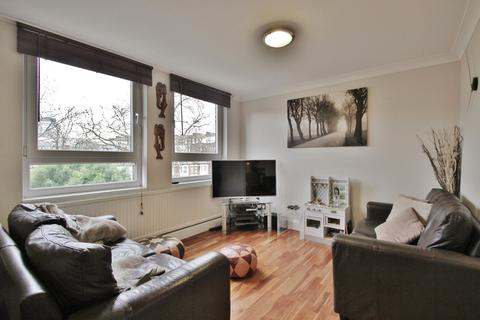 1 bedroom flat to rent - Lily Close, St Paul's Court, Hammermsith, W14
