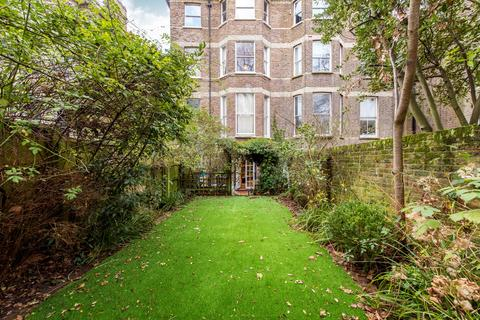 3 bedroom flat for sale - Fellows Road, London, NW3