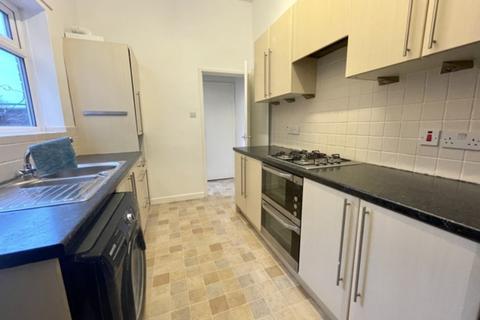 2 bedroom ground floor flat to rent - Simonside Terrace