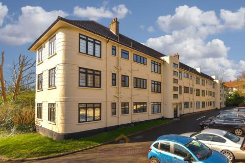 3 bedroom apartment to rent - Christchurch Place, Epsom