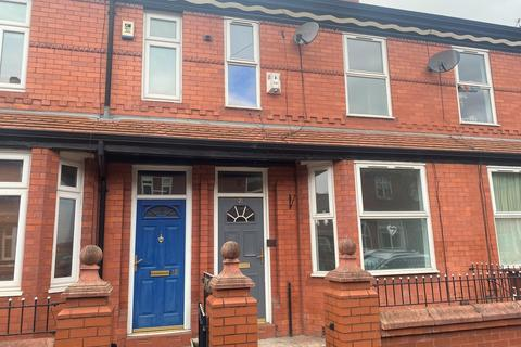 3 bedroom terraced house to rent - Yewtree Avenue, Fallowfield
