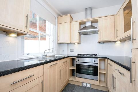 2 bedroom flat to rent - Eardley Crescent, Earls Court, London