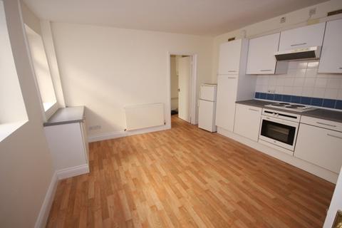 2 bedroom flat to rent - Malden Road, Flat 1, 35A