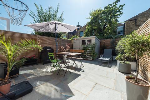3 bedroom house for sale - Dunston Road, Battersea, London, SW11