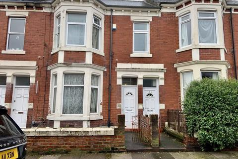 2 bedroom apartment for sale - Biddlestone Road, Heaton