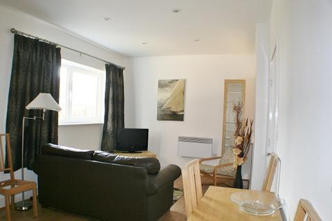 Studio to rent - Hartland House, Prospect Place, Cardiff, CF11 0JE