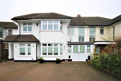 4 bedroom semi-detached house for sale - Lakenheath, Southgate/Oakwood, London N14