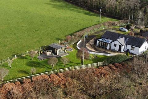 3 bedroom detached bungalow for sale - Llanrwst