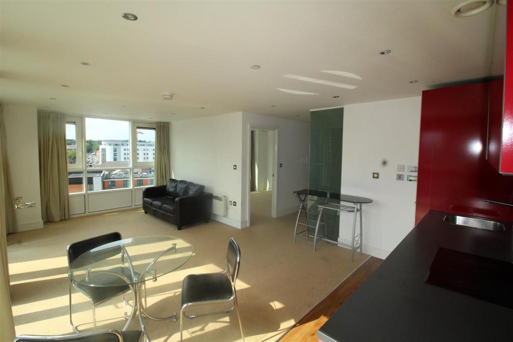 Living kitchen 2.JPG