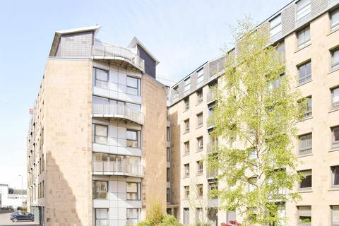 2 bedroom apartment to rent - East London Street, Edinburgh EH7