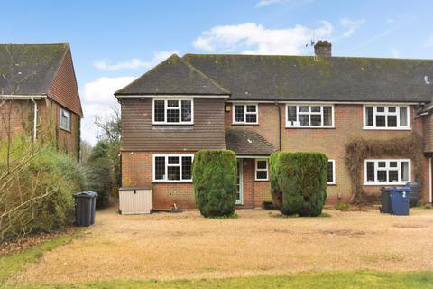 3 bedroom end of terrace house for sale - Little Chartridge Court, Chartridge Lane, Chesham, HP5