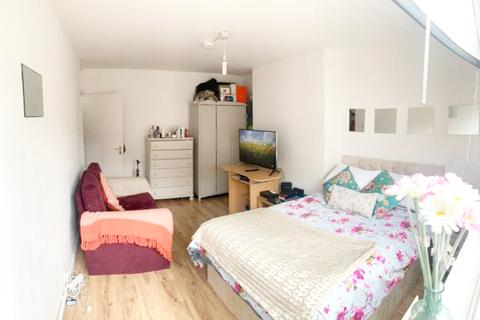 4 bedroom flat to rent - London, E1