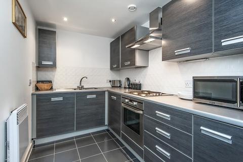 1 bedroom flat to rent - Phoenix Way, London, SW18