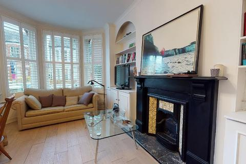 2 bedroom flat to rent - Cromford Road, London, SW18