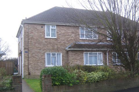 Studio to rent - Ardrossan Gardens, Worcester Park KT4