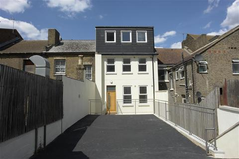 3 bedroom apartment for sale - High Street, Chatham