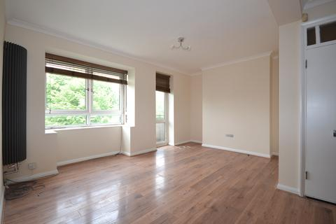 2 bedroom flat to rent - Cooper House, Knights Hill, London, SE27