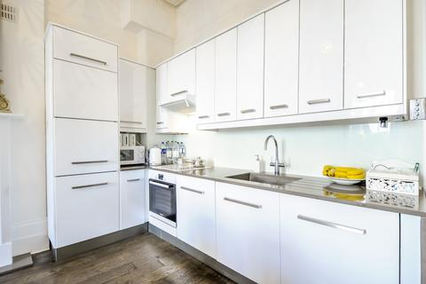 2 bedroom flat to rent - Elsham Road Brook Green W14
