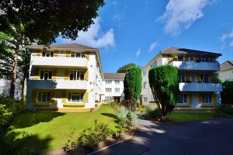 3 bedroom flat for sale - East Cliff