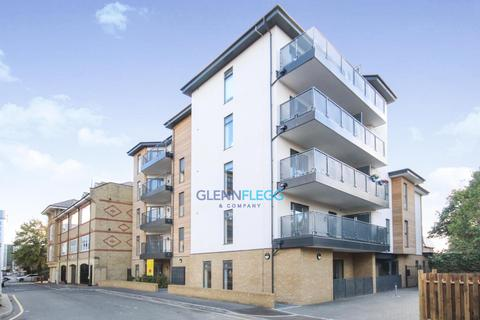 2 bedroom apartment to rent - Bishops Road, Central Slough