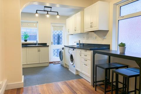 3 bedroom house to rent - East Acton Lane, East Acton, London, W3