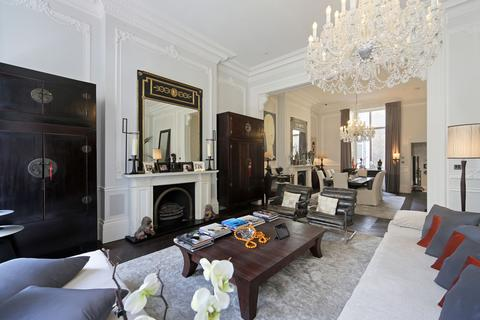3 bedroom flat for sale - Palace Gate W8