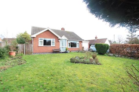 3 bedroom bungalow for sale - Whiteways, Low Road, Besthorpe, Newark