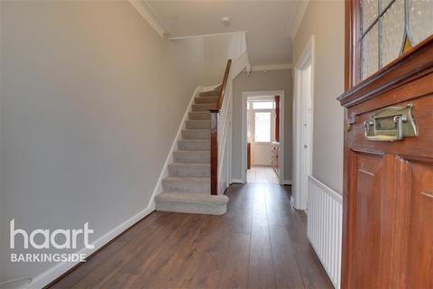 3 bedroom terraced house to rent - Eastern Avenue - Newbury Park - IG2