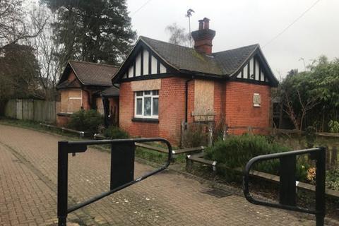 4 bedroom property with land for sale - Wellington Road, Sandhurst