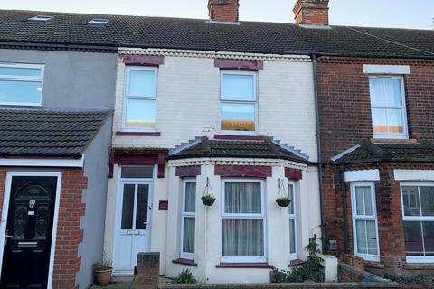 3 bedroom terraced house for sale - Mill Road, Cobholm, Great Yarmouth