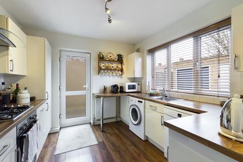 2 bedroom maisonette for sale - Brixham Crescent, Ruislip