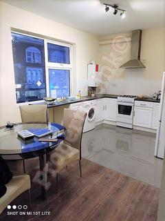 2 bedroom apartment to rent - 551b Green Lane IG3 9RJ