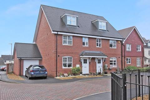 3 bedroom semi-detached house for sale - Arena Close, Andover, SP11 6YD
