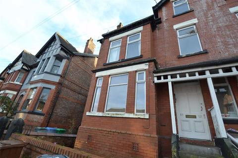 Studio to rent - 37 Clarendon Road, Whalley Range