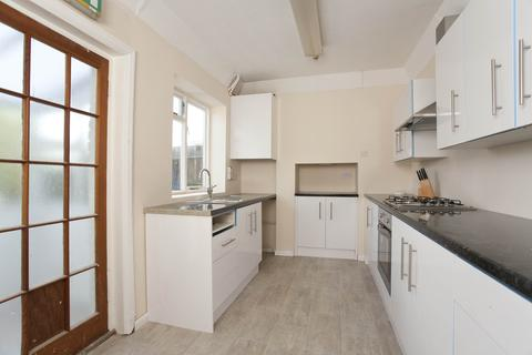 6 bedroom detached house to rent - 10 MINS TO UNI - Columbia Road, Ensbury Park