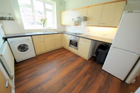 2 bedroom flat to rent - Eversley Park Road, LONDON, N21