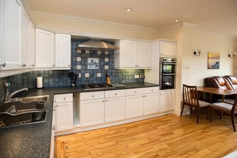 4 bedroom semi-detached house to rent - Cranmer Road, Winton