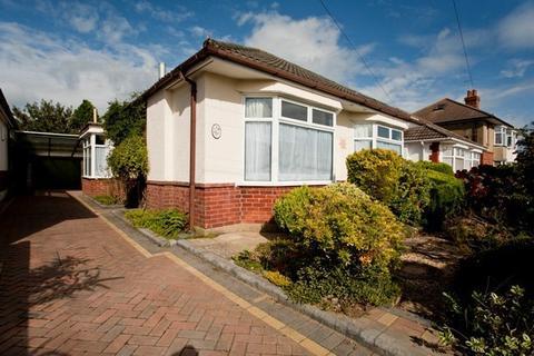 4 bedroom bungalow to rent - St Margarets Road, Ensbury Park