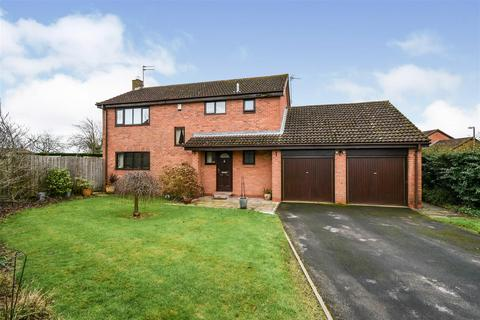 4 bedroom detached house for sale - Pasture Close, Skelton