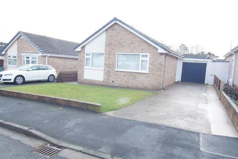 2 bedroom detached bungalow to rent - Clwydian Park Avenue, St. Asaph