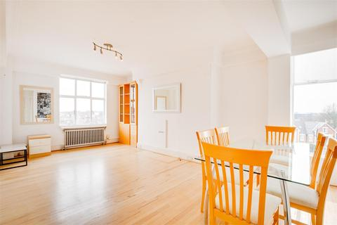 2 bedroom flat for sale - Beaumont Court, Sutton Lane North, W4