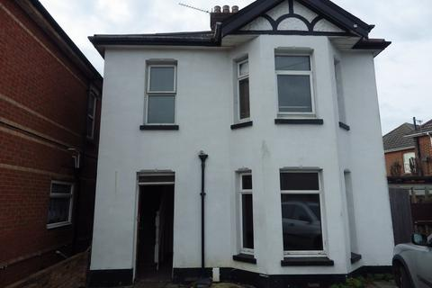 5 bedroom detached house to rent - Limited Road, Winton