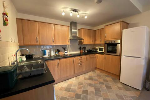 2 bedroom apartment for sale - Mariners Court Lamberts Road, Marina, Swansea