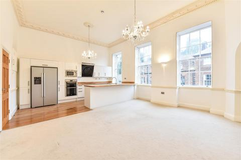 2 bedroom apartment for sale - High Street, Arundel