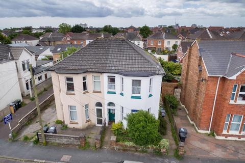 4 bedroom semi-detached house to rent - STUDENT HOUSE - Capstone Road