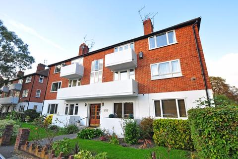 2 bedroom apartment to rent - River Road, Taplow