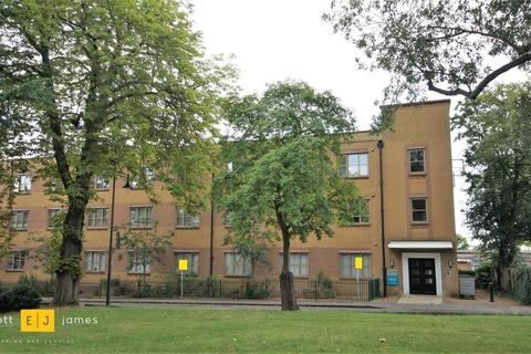 1 bedroom apartment to rent - Charteris Road, Woodford Green